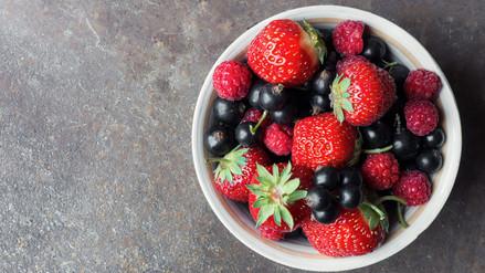 Consumir moderadamente frutos rojos ayudaría a prevenir la depresión
