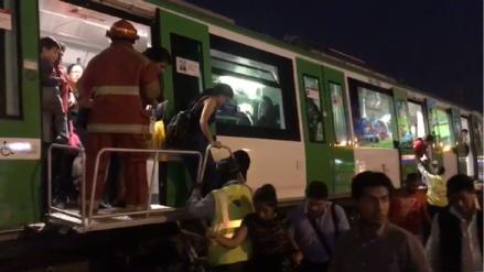 Cientos de personas tuvieron que evacuar el Metro de Lima caminando por los rieles
