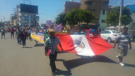Pobladores marchan rechazando nueva orden de desalojo