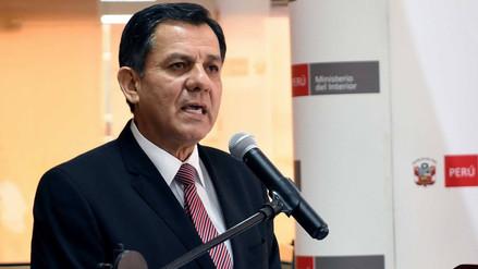 Ministro del Interior: La Policía se ve obligada a cumplir con arresto domiciliario