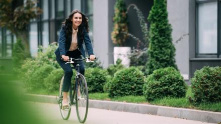 Guía para ciclistas: ¿Cómo evitar lesiones al ejercitarse?