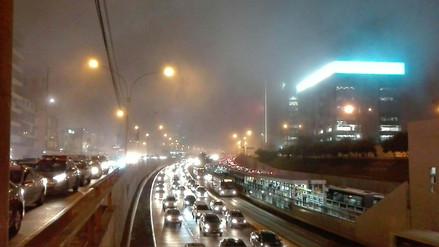 Una densa neblina cubrió distritos del centro y oeste de Lima