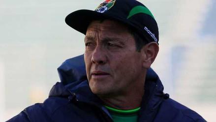 Filman al entrenador de Bolivia agrediendo a un joven en Cochabamba