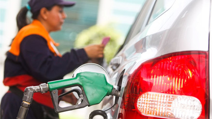 Combustibles de Petroperú y Repsol subieron hasta S/0.20 más por galón