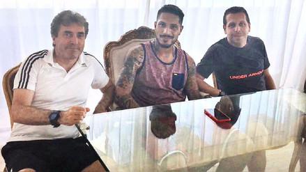 Paolo Guerrero también fue visitado por los preparadores físicos de la Selección Peruana