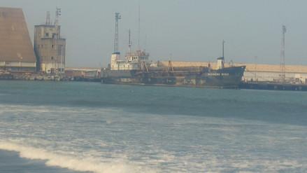 Persiste suspensión de dragado en puerto de Salaverry