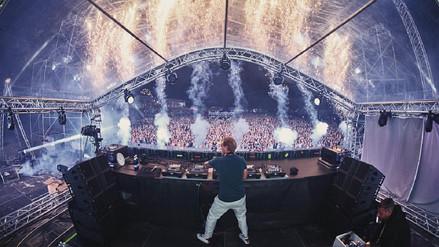 Avicii: Miles de fanáticos bailan en Estocolmo para darle el último adiós