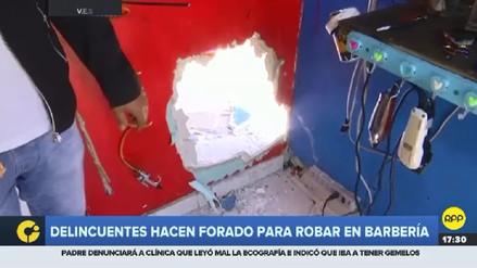 Delincuentes hicieron un forado en una barbería para robar 8 mil soles en Villa el Salvador