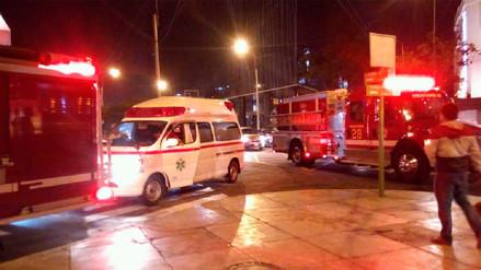Diez heridos deja el ataque con fuego a una mujer en un bus en Miraflores