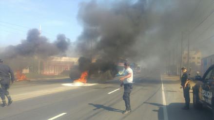 Transportistas en huelga bloquearon la carretera Panamericana Norte en Trujillo