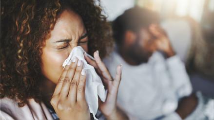 La gripe y el resfrío se diferencian por la fiebre alta y la intensidad de los síntomas