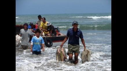 Pescadores lambayecanos reciben con sorpresa renuncia de ministro Daniel Cordova