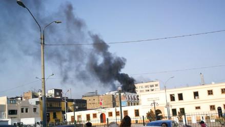 Bomberos controlaron un incendio cerca al mercado central