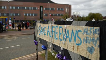 Muere Alfie Evans, el bebé británico que estuvo en el centro de una batalla legal