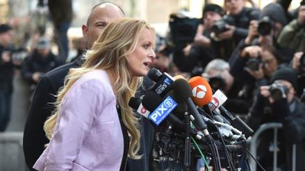 Un juez pospuso por tres meses el caso de Stormy Daniels contra Donald Trump