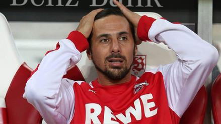 Claudio Pizarro descendió con Colonia tras caer 3-2 a manos del Friburgo