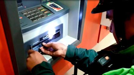 Delincuentes colocaban reglas en dispensador de cajeros para robar billetes en Cajamarca