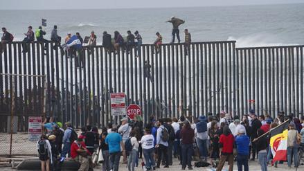 Centroamericanos llegaron a la frontera de México con EE.UU. para pedir asilo