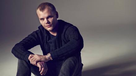 Revelan posible causa de la muerte del DJ sueco Avicii