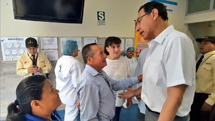 Martín Vizcarra visitó a Eyvi Agreda y ofreció apoyo a sus familiares