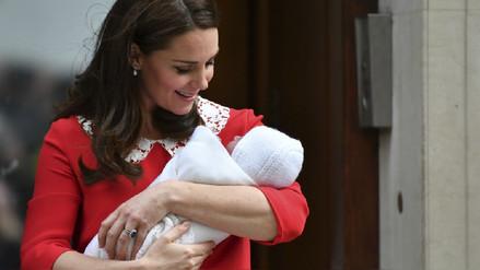 La familia real da la bienvenida a Louis Arthur Charles, el tercer hijo de William y Kate