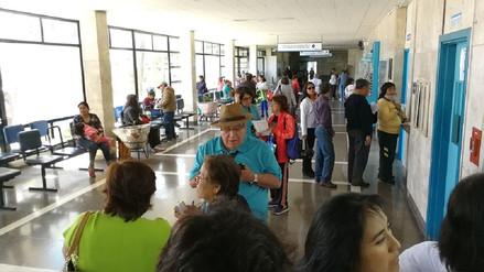 Hospitales de EsSalud de Arequipa no pueden atender en tres turnos