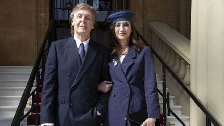 """Paul McCartney es nombrado """"Acompañante de Honor"""" por la reina Isabel II"""