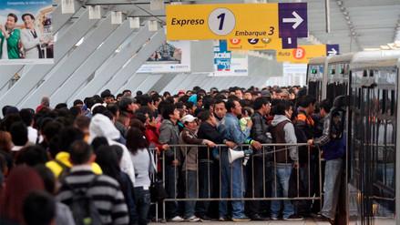 Metropolitano: largas colas y caos en un servicio que evalúa subir sus tarifas