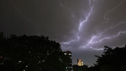 Al menos 125 muertos y más de 400 heridos por tormentas de arena en la India