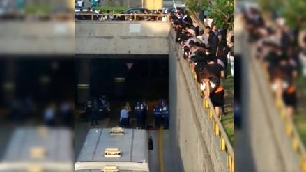 Un joven cayó a una vía de ingreso a la estación central del Metropolitano