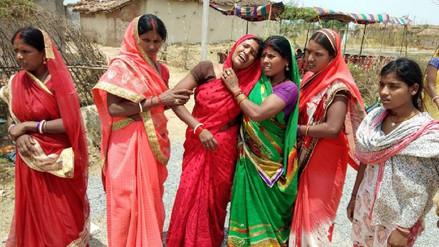 Joven en la India es violada, rociada con gasolina y quemada viva