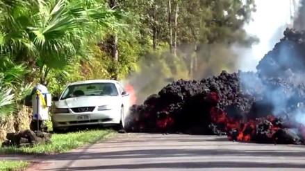 Captan el momento en que la lava devora un mítico auto deportivo en Hawái