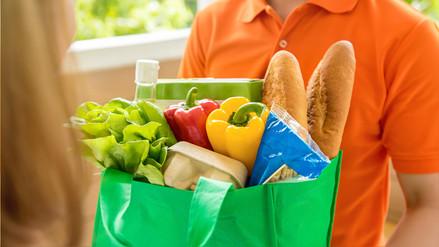 Las bolsas derivadas de la papa o yuca son alternativas de uso práctico y reciclables