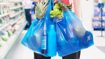 Minam plantea que tiendas y supermercados cobren por uso de bolsas plásticas