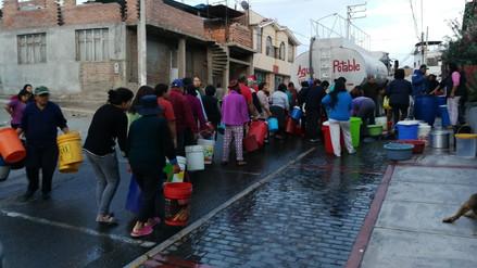 Arequipa: Más de 50 mil personas se quedaron sin agua por ruptura de tubería