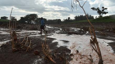 Al menos 41 muertos y numerosos desaparecidos al reventar una represa en Kenia