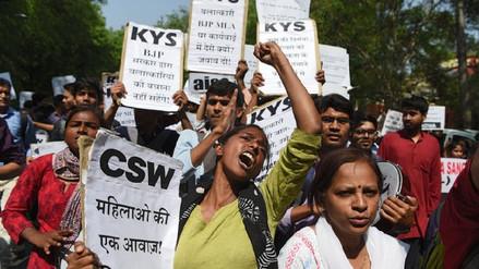 Tercera adolescente en la India violada y quemada viva en una semana