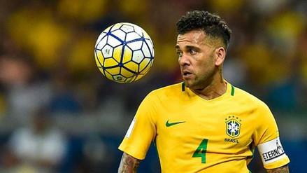 Dani Alves habló tras la lesión que lo marginó de Rusia 2018