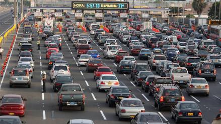 AAP: Ventas de vehículos nuevos se incrementaron en 33.4% en abril