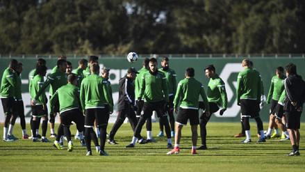 Plantel del Sporting de Lisboa fue agredido por hinchas en pleno entrenamiento