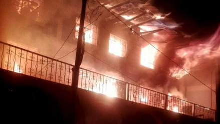 Incendio redujo a cenizas un municipio distrital en Áncash