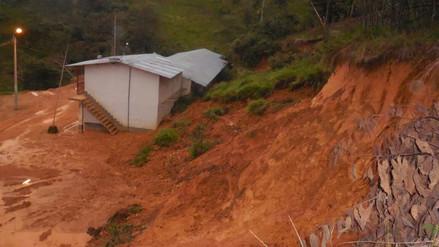 Infraestructura de un colegio fue afectado por deslizamientos de lodo en Cajamarca