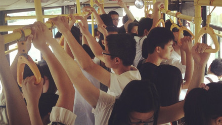 Esta es la razón por la que las ventanas del bus deben permanecer abiertas