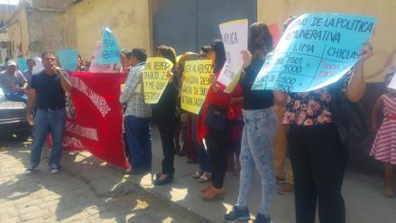 Trabajadores de Cofopri realizaron plantón por sueldos en Chiclayo