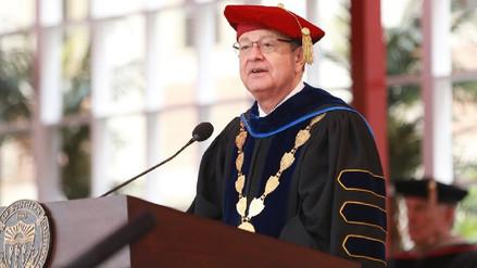 E.E.U.U. | Docentes y alumnos exigen renuncia de presidente de universidad por abuso sexual