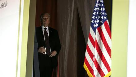 Trump analiza imponer aranceles a la importación de automóviles
