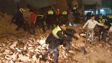 Tres muertos dejó derrumbe de un edificio en Argentina