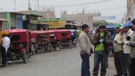 Dirigente de taxistas niega estar detrás de ordenanza contra mototaxis