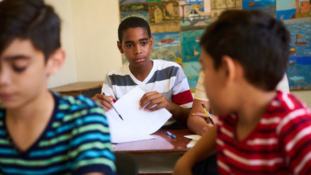 Guía para padres: ¿cuáles son las razones por las que un niño copia las tareas en el aula?