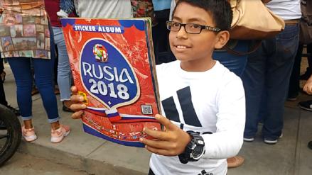 Chiclayo: niño de 11 años logró que Pedro Gallesse le firme su álbum
